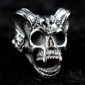 Mode Wichtig Ring Horned Skull (Titanum)